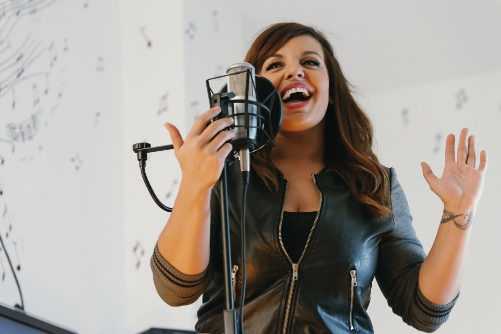 How to sing like a pro using your diaphragm